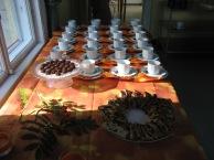juhlapöytä (Aini, Aune ja Teiju)
