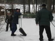 Laskiasmäen rakentajia Furuvikissä 16.2.2009