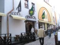 iltaa vietimme virolaisten ystäviemme kanssa paikallisessa olutravintolassa
